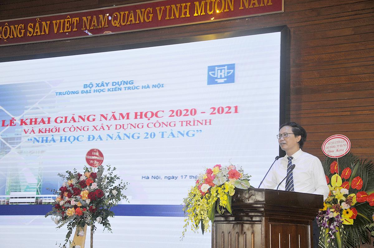 Thứ trưởng Bộ Xây dựng Nguyễn Đình Toàn phát biểu tại buổi Lễ