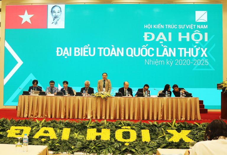 Đoàn chủ tịch chủ trì Phiên họp