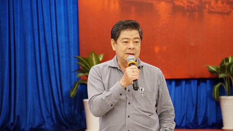 Ông Nguyễn Đình Hưng – Phó Giám đốc Sở Quy hoạch - Kiến trúc Thành phố Hồ Chí Minh nêu ý kiến thảo luận tại hội thảo