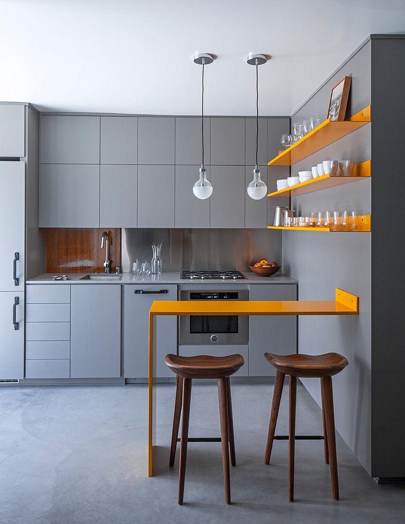 Không gian bếp nhỏ đẹp hơn khi có đèn dây