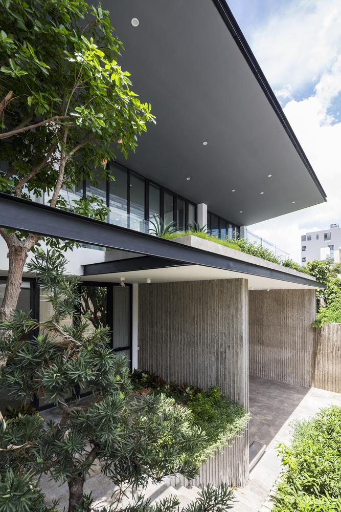 Patio-house-ngoi-nha-co-san-trong-mo-2