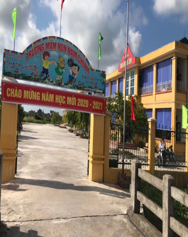 Trường lớp khang trang, các con được chăm sóc theo chuẩn bậc mầm non