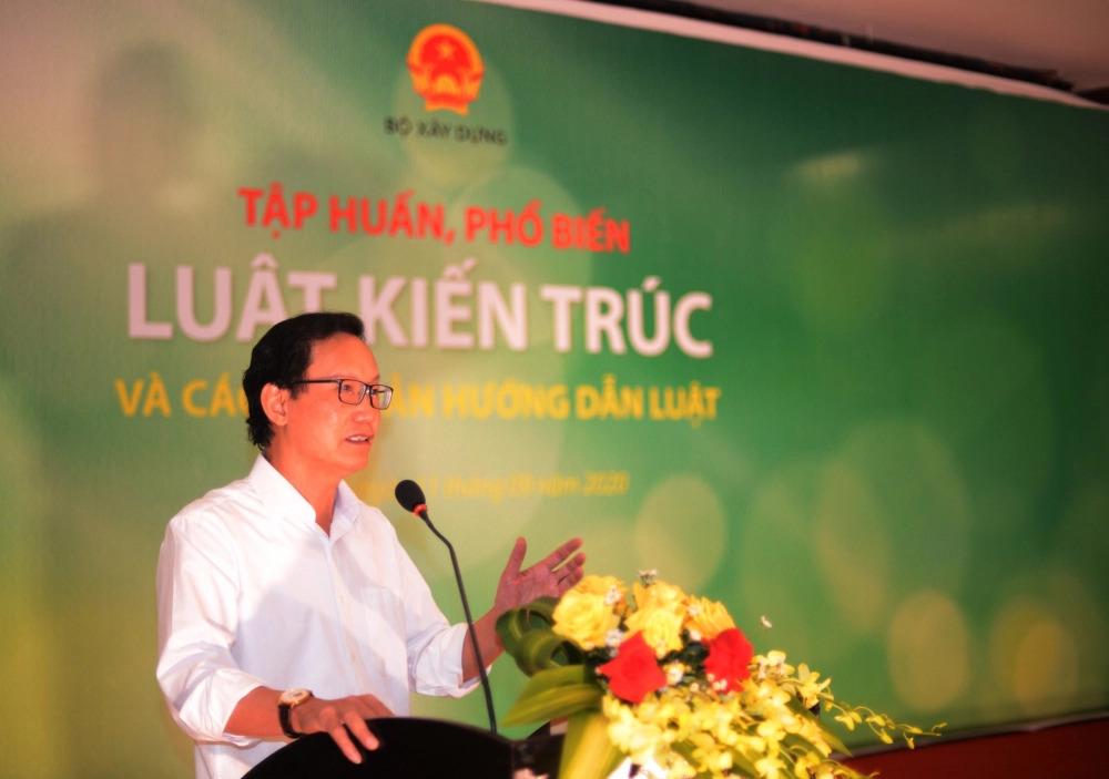 Thứ trưởng Bộ Xây dựng - Nguyễn Đình Toàn phát biểu tại buổi tập huấn