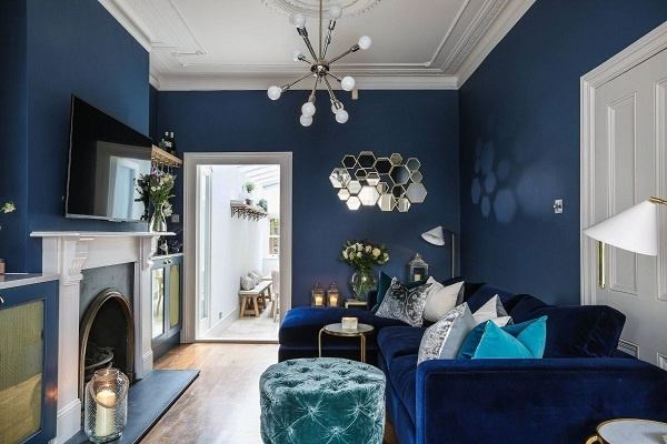 Xanh lam là một màu rất êm dịu và giúp mọi người thư giãn, có suy nghĩ tích cực. Ngoài ra, màu sắc này còn tăng chiều sâu cho ngôi nhà.