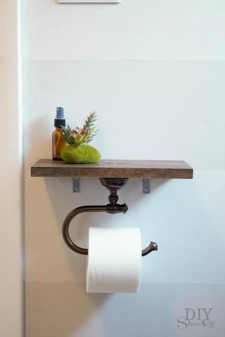 Kệ đựng giấy vệ sinh giúp chúng ta tận dụng từng centimet không gian, đủ để đặt một chiếc điện thoại, giấy vệ sinh hay trưng bày một chậu nha đam bé.