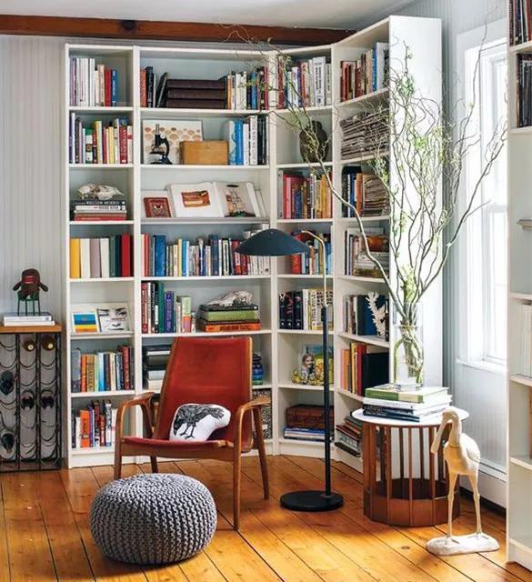 Đặt tủ sách ở góc trống chính là ý tưởng tuyệt vời để biến một góc bị bỏ quên trong nhà thành nơi lưu trữ sách