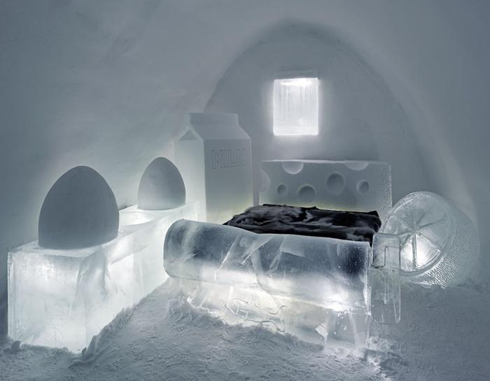 Ngủ trên giường băng trong một căn phòng băng có thể rất mát mẻ hoặc rất khó chịu. Kết quả thế nào thì có lẽ bạn phải thử một lần rồi mới biết.