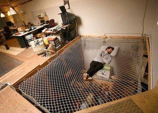 Một chiếc giường võng đơn giản cũng góp phần giúp không gian thêm độc đáo