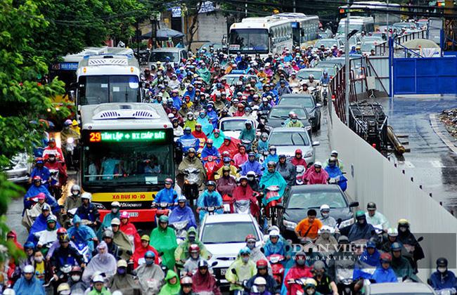 Hà Nội cần quy hoạch giao thông công cộng một cách khoa học. (Ảnh: Thành An)