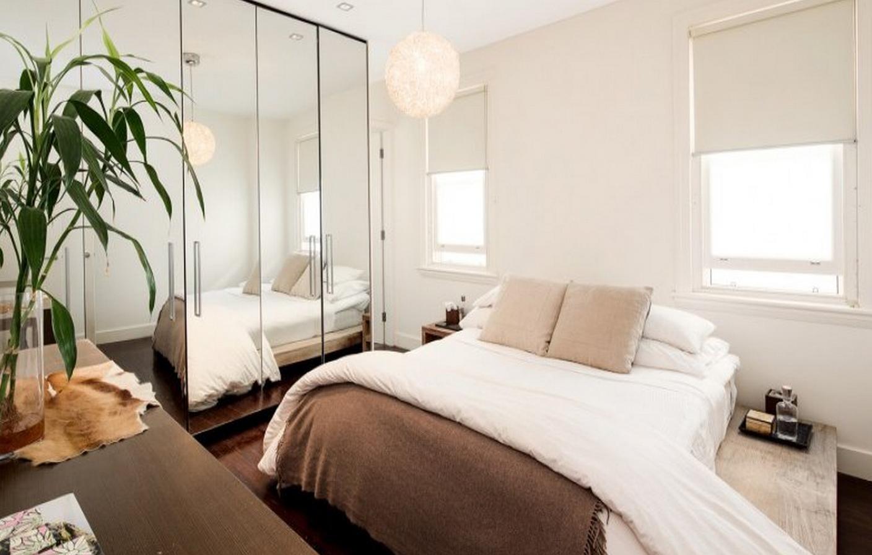 Những tấm gương cỡ lớn sẽ là cách đơn giản nhưng vô cùng hiệu quả để khuếch đại không gian căn phòng của bạn