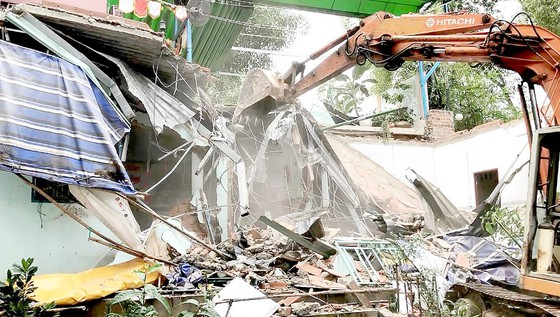 Cưỡng chế công trình không phép ở phường Linh Trung quận Thủ Đức, TPHCM