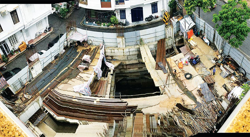 Công trình nhà ở riêng lẻ tại số 13 phố Sơn Tây (Ba Đình, Hà Nội) được cấp phép xây dựng 4 tầng hầm. Ảnh: Cường Ngô