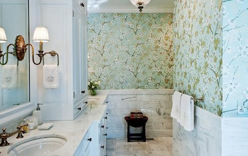 Với mẫu mã đa dạng, màu săc hài hòa, hấp dẫn... giấy dán tường phòng tắm sẽ là sự lựa chọn vô cùng lý tưởng nếu bạn muốn tạo một không gian tắm theo mong muốn của mình