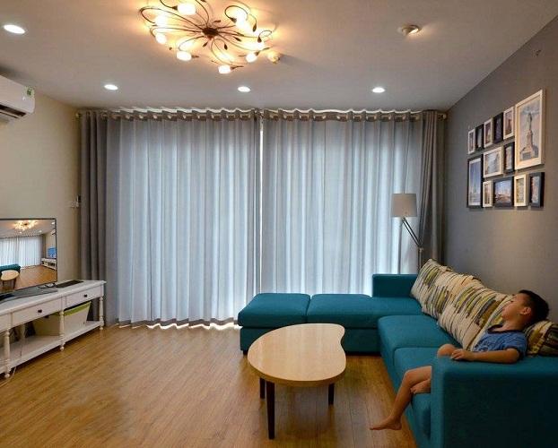 Rèm cửa vừa điều chỉnh ánh sáng trong không gian phòng lại vừa tạo sự yên bình, thư giãn hơn.