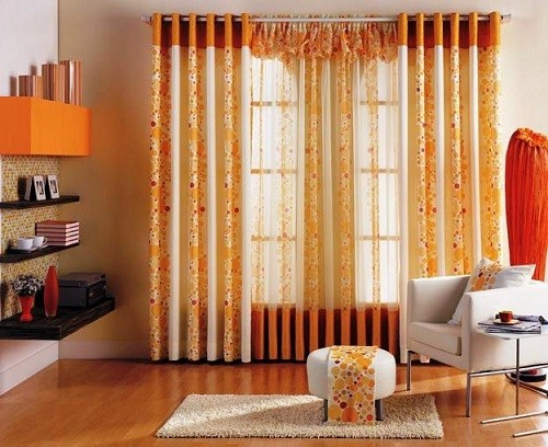 Sinh động và tươi mới hơn với rèm cửa chung cư có họa tiết nổi bật , thổi luồng sức sống cho không gian phòng khách nhà bạn.