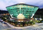 Sử dụng vật liệu kính hướng tới tiết kiệm năng lượng trong công trình kiến trúc ở Việt Nam
