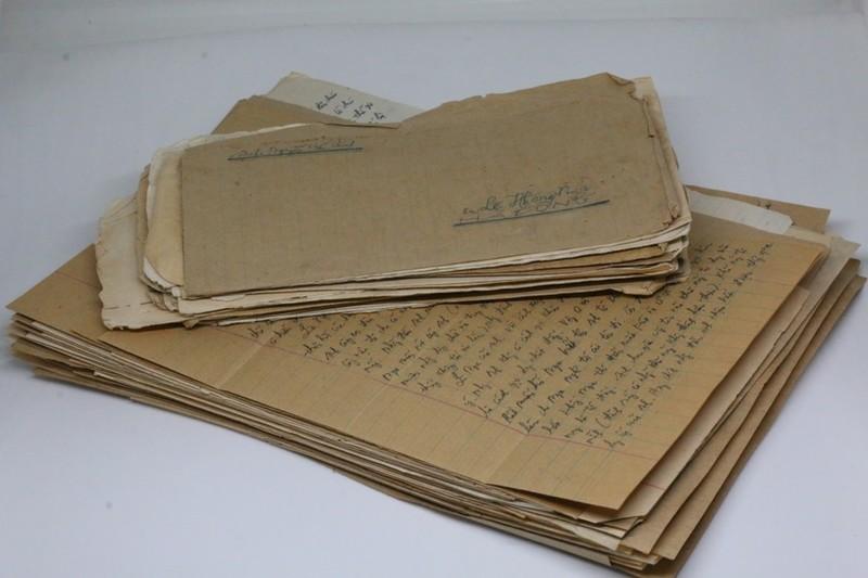 Những lá thư của vợ chồng ông Nguyễn Hữu Chính và bà Lê Hồng Nga từ năm 1982-1985