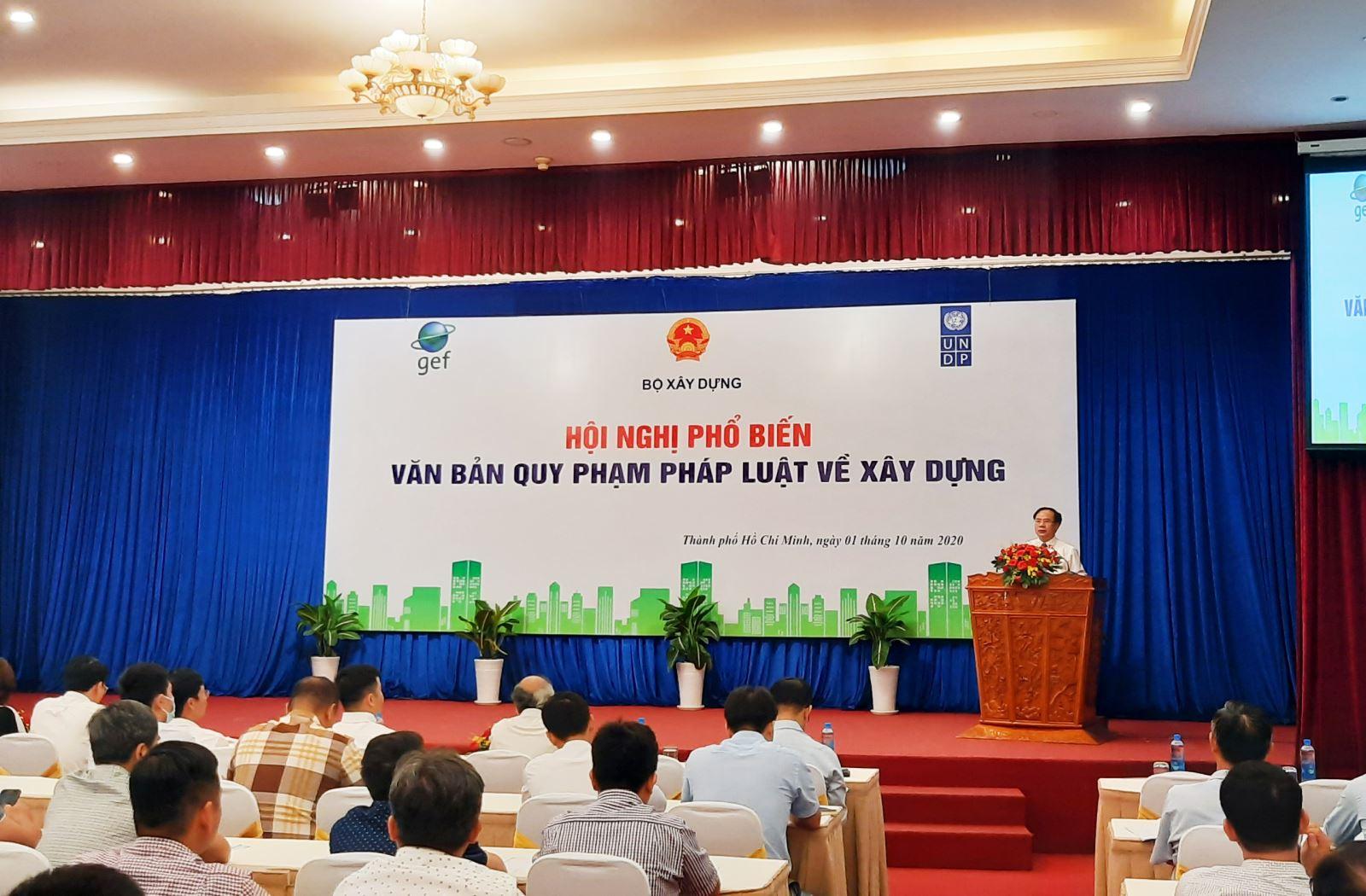 Thứ trưởng Nguyễn Văn Sinh phát biểu tại hội nghị