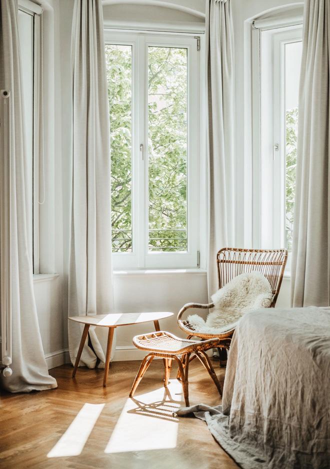 Màu sắc rèm cửa cũng là yếu tố quan trọng bạn không nên bỏ qua! (Nguồn: Pinterest)