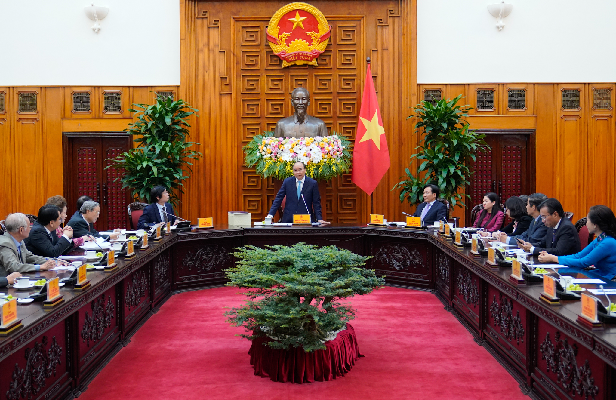 Thủ tướng gặp mặt lãnh đạo Hội Quy hoạch Phát triển đô thị Việt Nam. Ảnh VGP/Quang Hiếu