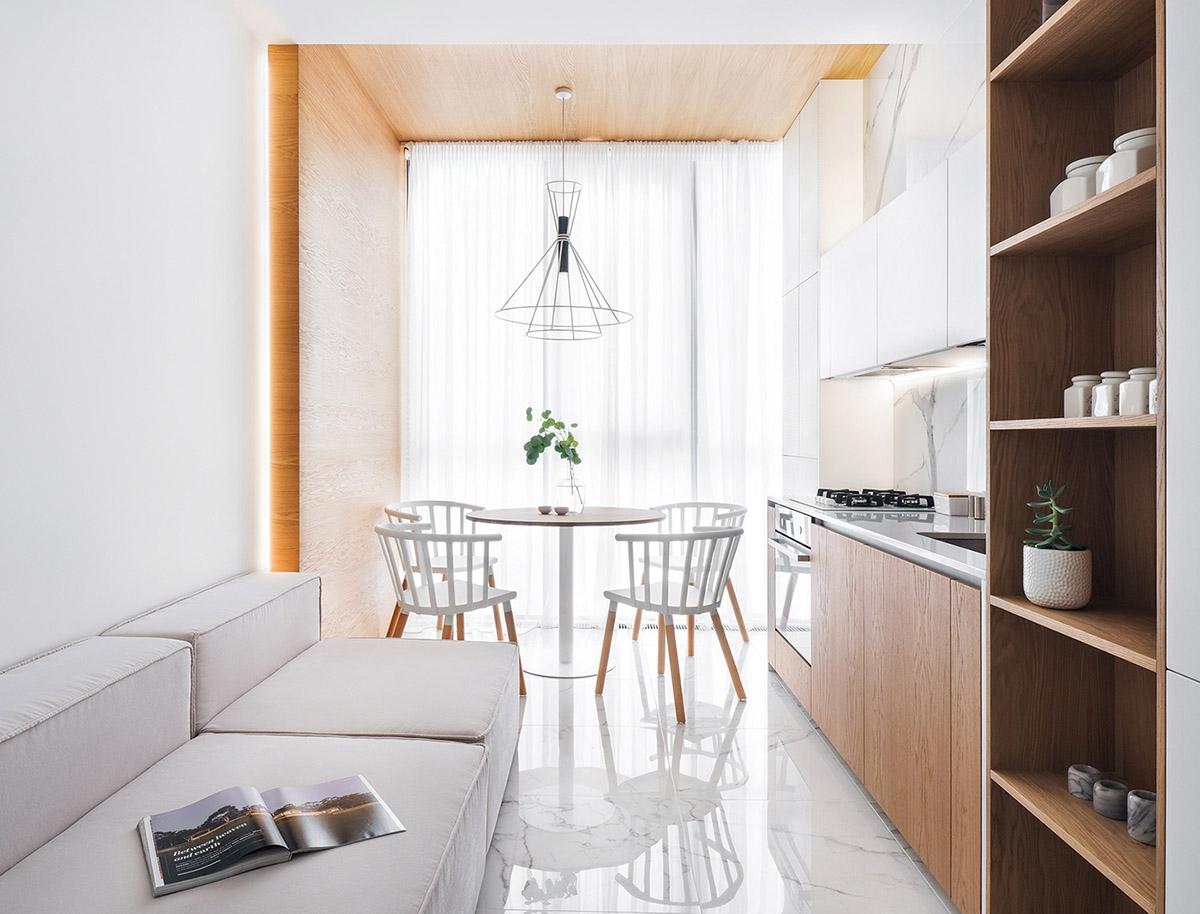 Chiếc bàn tròn giúp tăng thêm chỗ ngồi mỗi khi nhà có khách