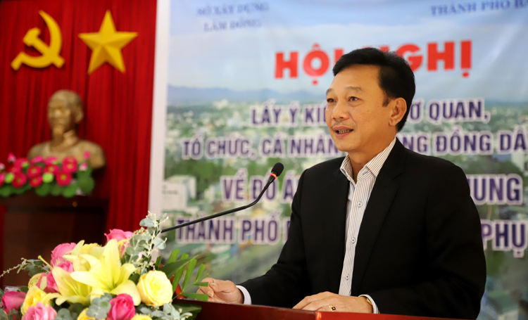 Ông Lê Quang Trung - Giám Sở Xây dựng Lâm Đồng phát biểu tại hội nghị