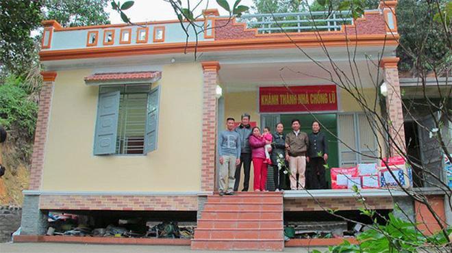 """Những căn nhà chống lũ được xây dựng dọc miền Trung nhiều năm qua giúp bà con """"đương đầu"""" với thiên tai (Ảnh: Sưu tầm)"""