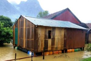 Dự án Nhà Chống Lũ phát huy tác dụng: Nhiều bà con miền Trung vượt qua lũ lụt; tiếp tục triển khai ở Huế, Quảng Trị và Quảng Nam