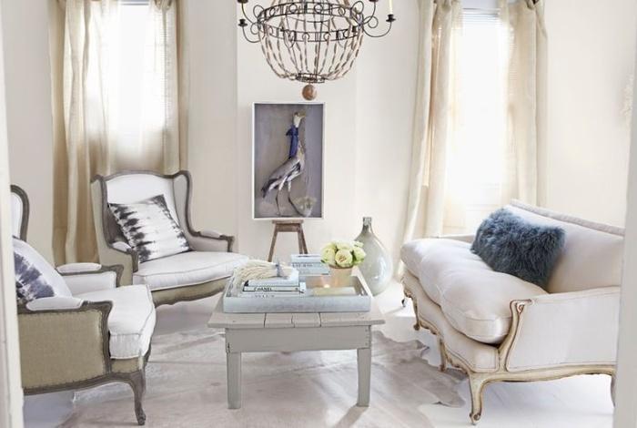 Hai tông màu trắng và xám mang lại cho phòng khách vẻ sáng sủa, nhẹ nhàng nhưng cũng vô cùng tinh tế