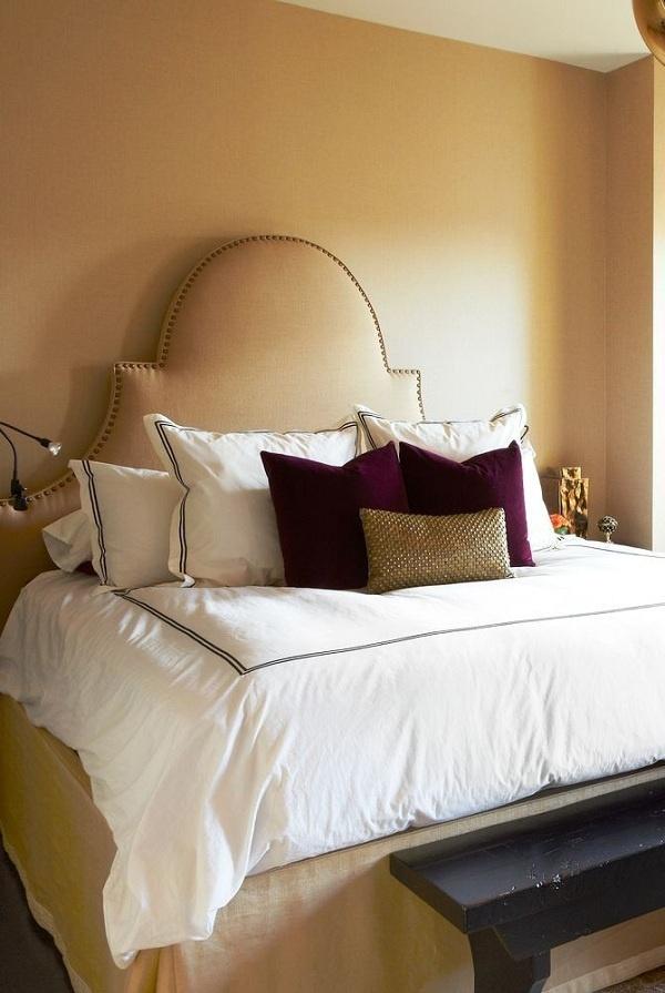 Đây là tông màu mang sắc thái của mùa thu. Màu caramel tạo nên sự lãng mạn, ấm áp và dịu ngọt cho phòng ngủ.