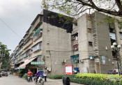 TPHCM thất bại trong việc 'giải cứu' chung cư cũ và nhà ven kênh