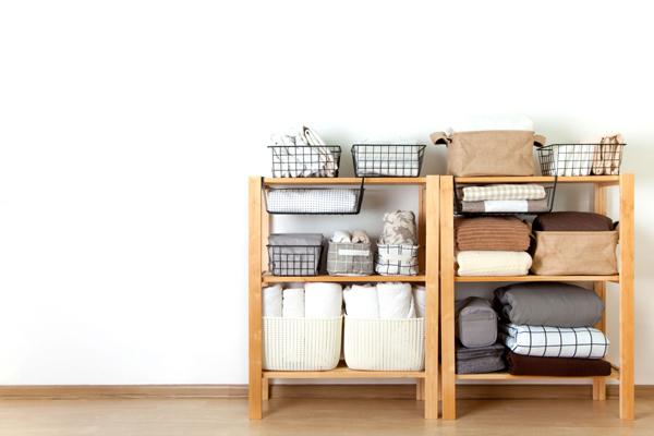 Việc sắp xếp các đồ dùng có cùng chức năng với nhau giúp tiết kiệm không gian sống, đồng thời tăng giá trị sử dụng