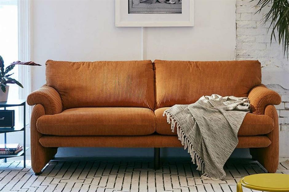 Mặc dù phong cách bọc nhung từng được xem là lạc hậu song hiện nay, các món đồ bọc nhung đã dần lấy lại được vị thế vốn có. Sofa hay ghế bọc nhung với vẻ đẹp diễm lệ giúp không gian thêm sang trọng, đẳng cấp hơn.