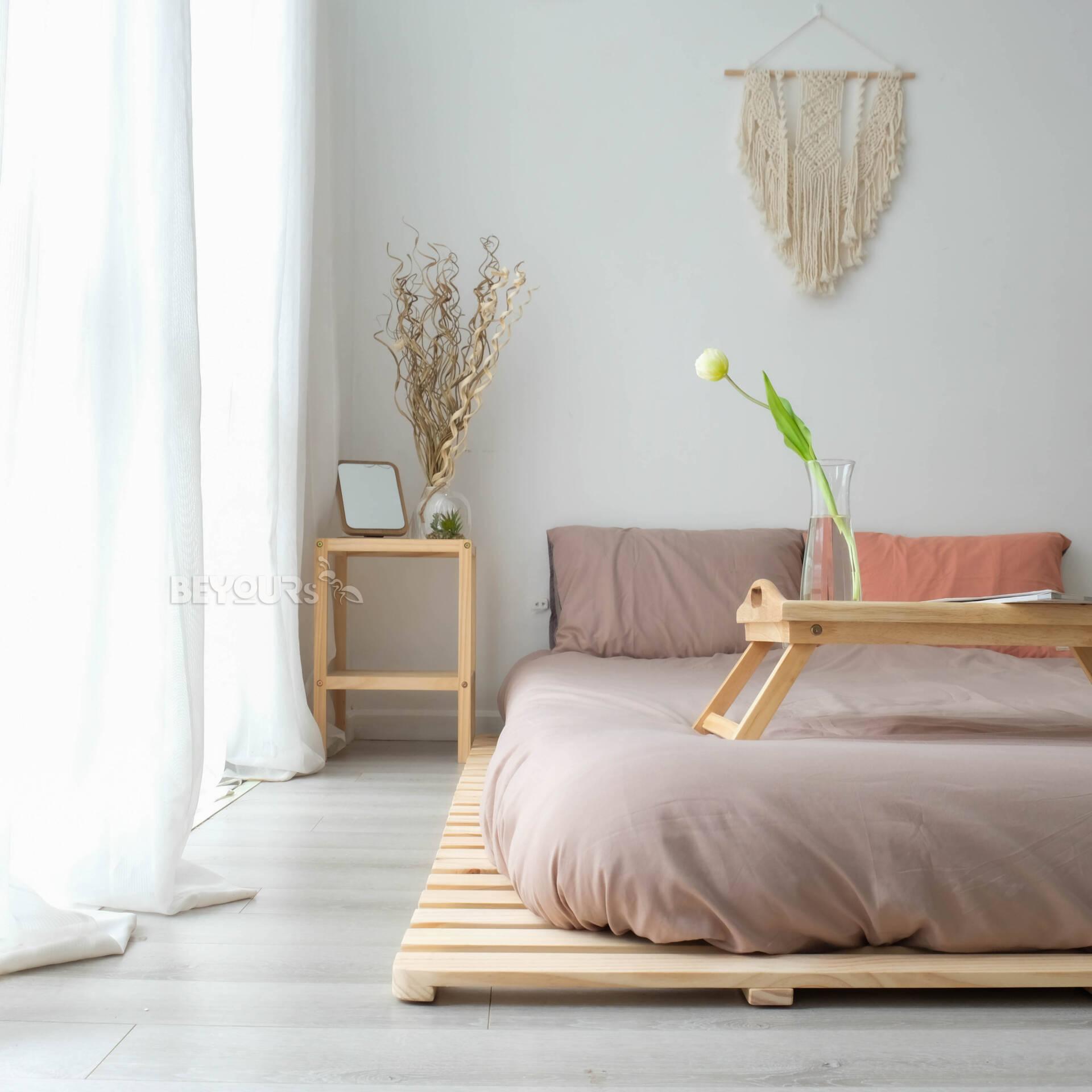 Skinny Pallet Bed là một trong những dòng sản phẩm bán chạy nhất của thương hiệu nội thất lắp ráp BEYOURs, có giá dao động trong khoảng từ 1 triệu - 2 triệu đồng