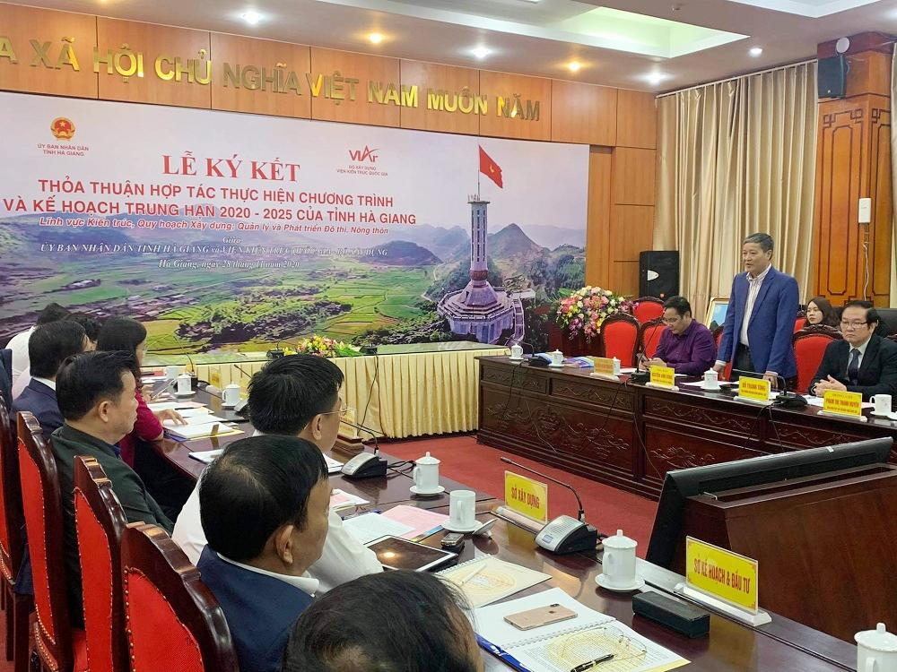 Ông Nguyễn Anh Dũng - Trưởng ban Tuyên giáo Đảng ủy Bộ Xây dựng, Tổng Biên tập Báo Xây dựng phát biểu tại buổi lễ