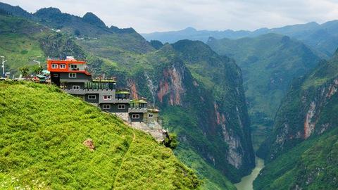 Công trình xây dựng trên đèo Mã Pì Lèng (Hà Giang)
