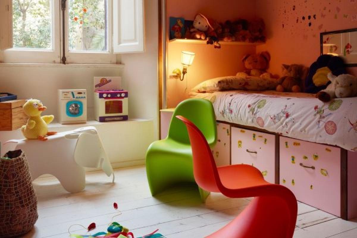 Không gian nhỏ nhắn, dễ thương được trang trí từ chính đồ nội thất