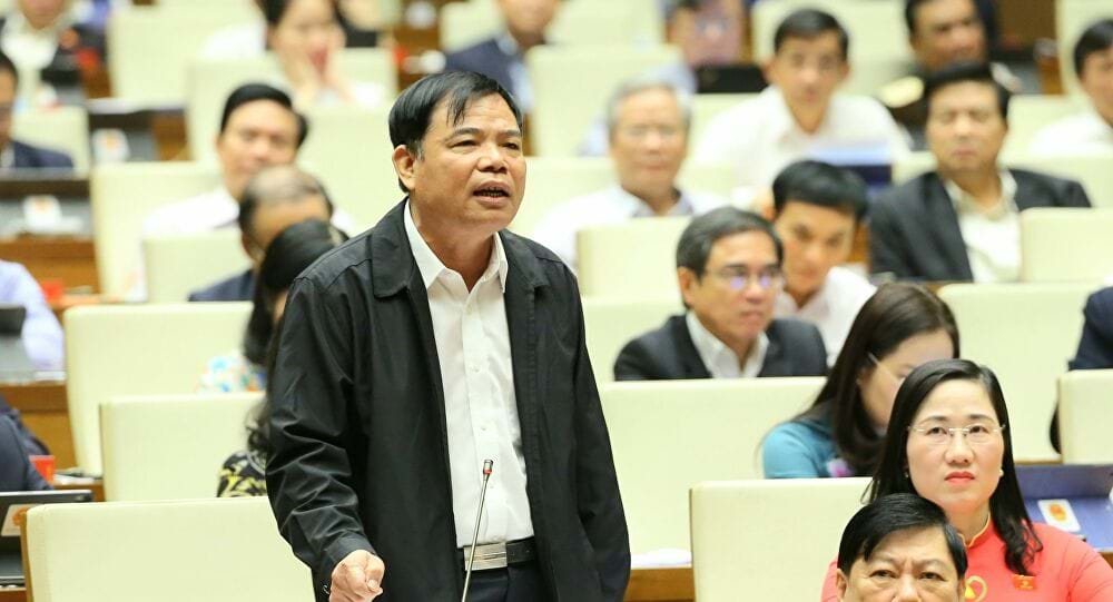 Bộ trưởng Nguyễn Xuân Cường phát biểu tại nghị trường. Ảnh: TTVN