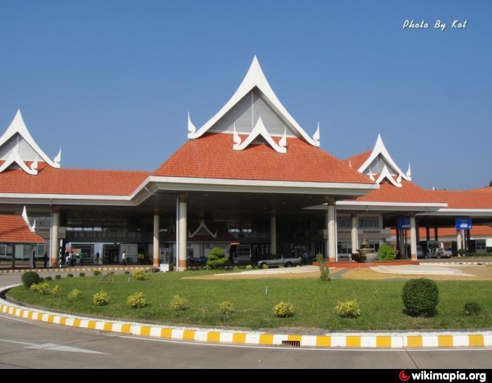 cua khau lao
