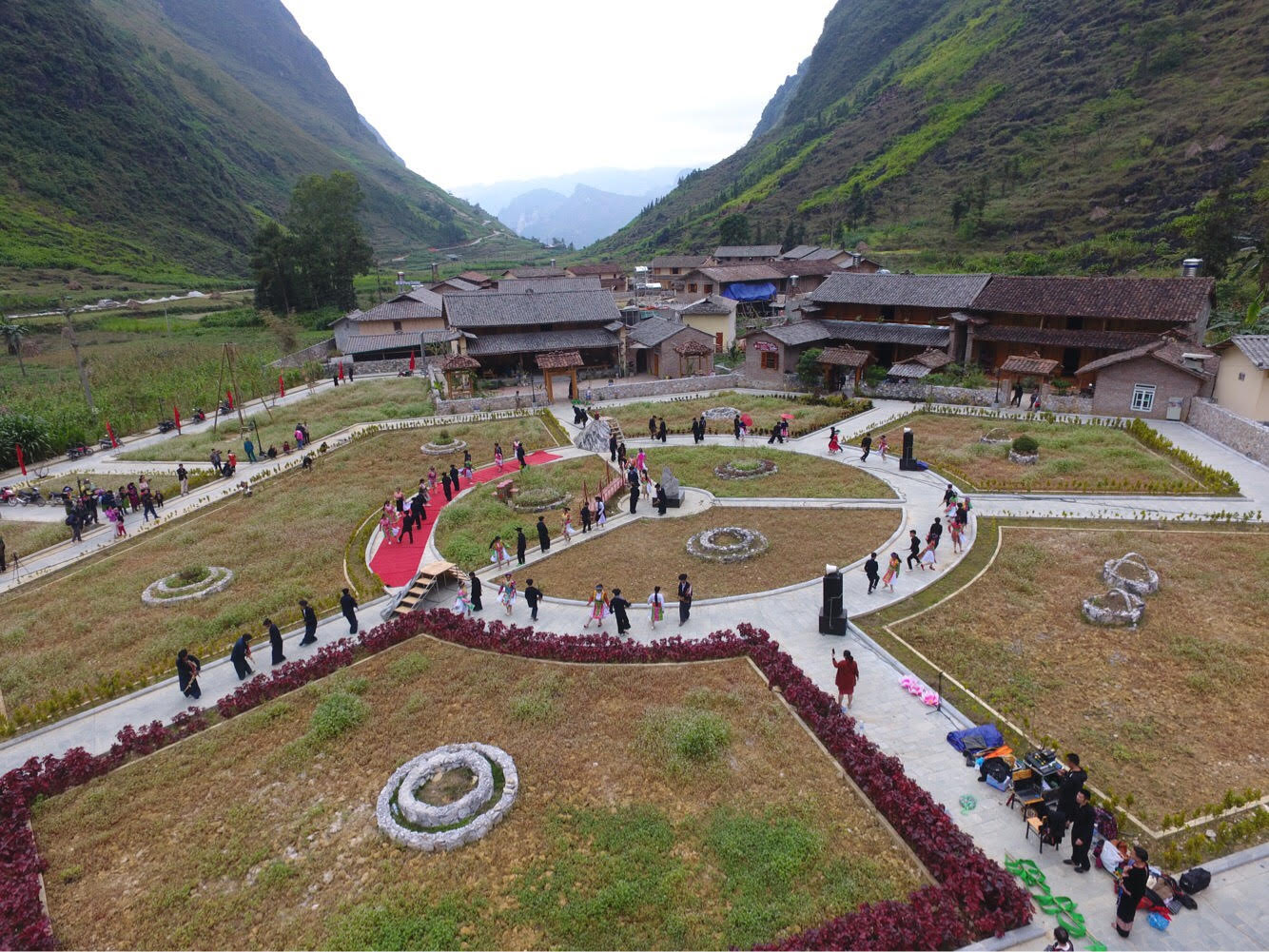 Làng văn hóa du lịch cộng đồng xã Pả Vi được xây dựng để bảo vệ văn bản hóa giá trị dân tộc Mông (ảnh Kim Tiến)