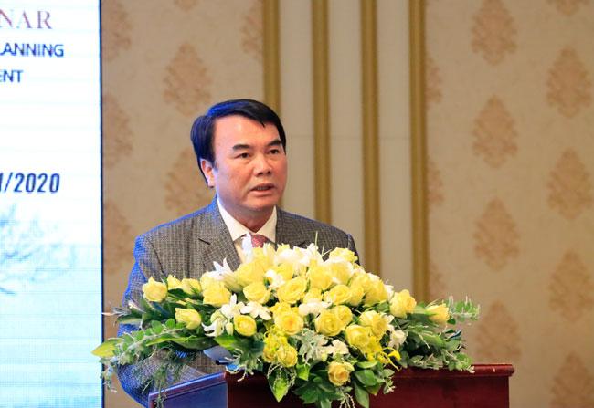 Phó Chủ tịch UBND tỉnh Lâm Đồng Phạm S phát biểu tại hội thảo