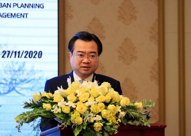 Đồng chí Nguyễn Thanh Nghị - Ủy viên Ban Chấp hành Trung ương Đảng, Thứ trưởng Bộ Xây dựng phát biểu tại hội thảo