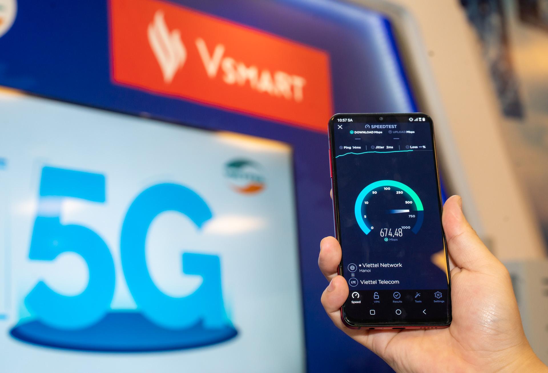 Thử nghiệm của Cục Viễn thông trên Vsmart Aris 5G cho kết quả tốc độ 5G trên mẫu điện thoại này cao gấp 8 lần so với tốc độ 4G