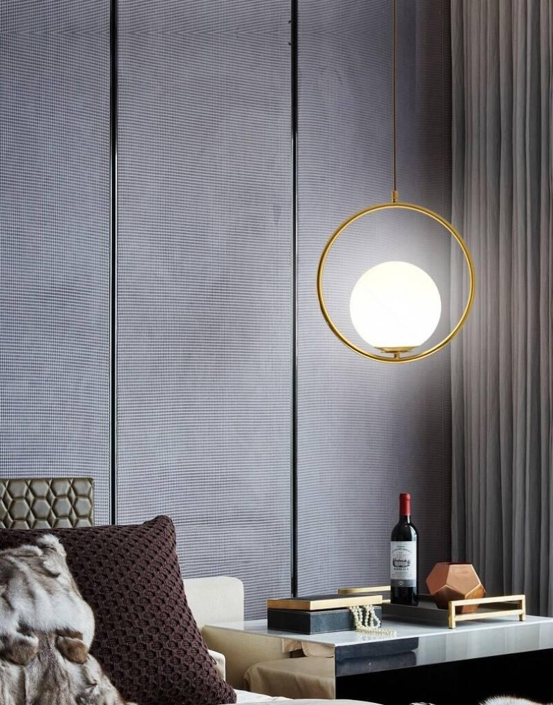Việc bố trí những hệ thống đèn hợp lý, vừa đảm bảo ánh sáng cần thiết vừa mang tính thẩm mỹ cho căn phòng