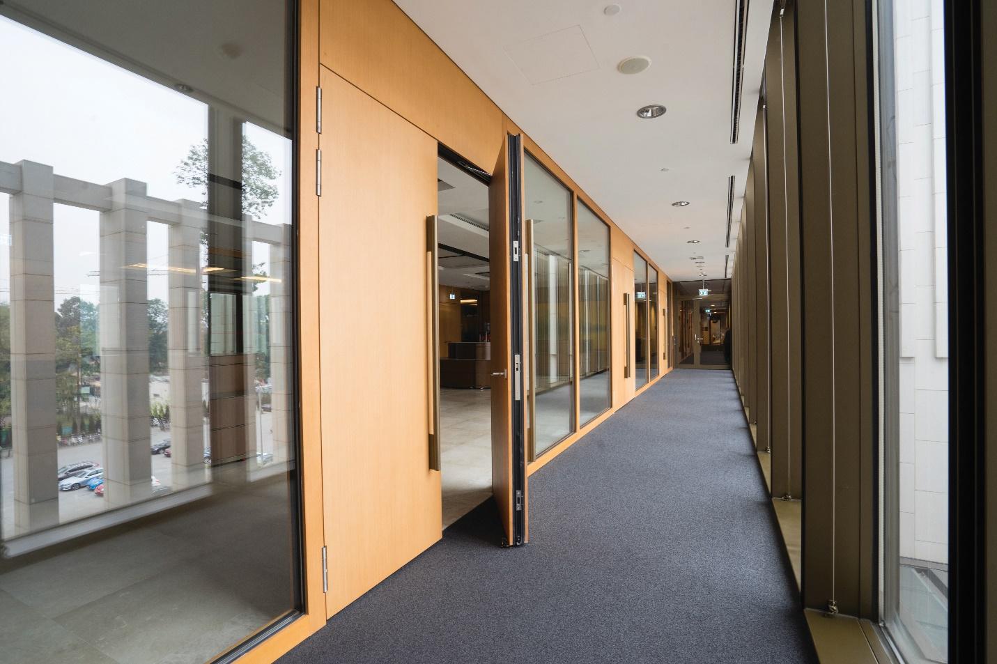 Cửa gỗ chống cháy Eurowindow lắp đặt tại công trình Nhà Quốc Hội, Q. Ba Đình, Hà Nội