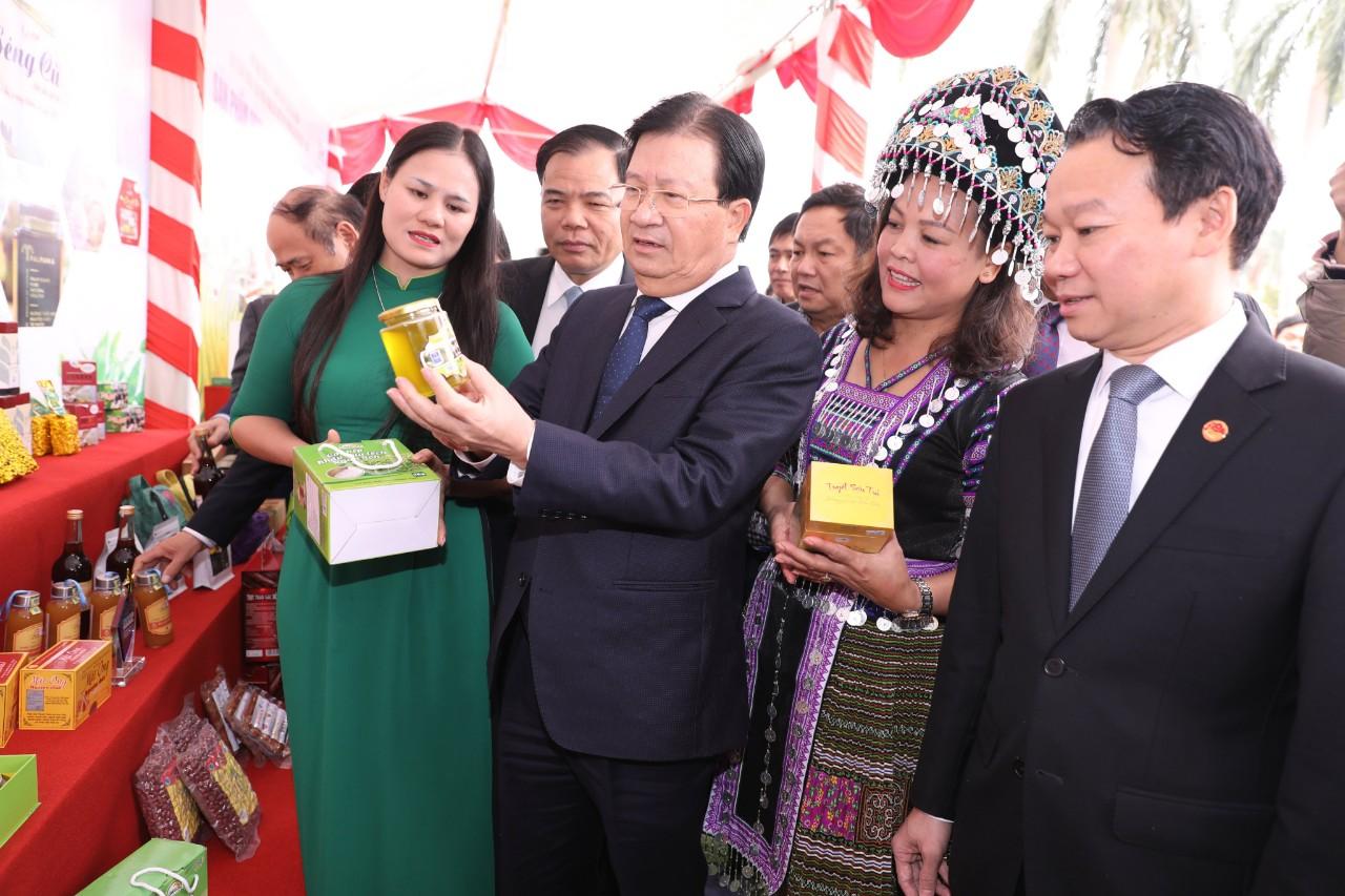 Hội nghị bên lề đề nghị Phơ Thủ tướng cùng OCOP tiêu biểu máy dò tìm tại ĐBKK