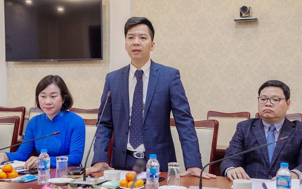 Ông Hà Quang Hưng - Phó Cục trưởng Cục Quản lý nhà và thị trường bất động sản chủ trì Lễ ký kết Bản ghi nhớ hợp tác Chương trình nhà ở xanh Việt Nam 2021-2025