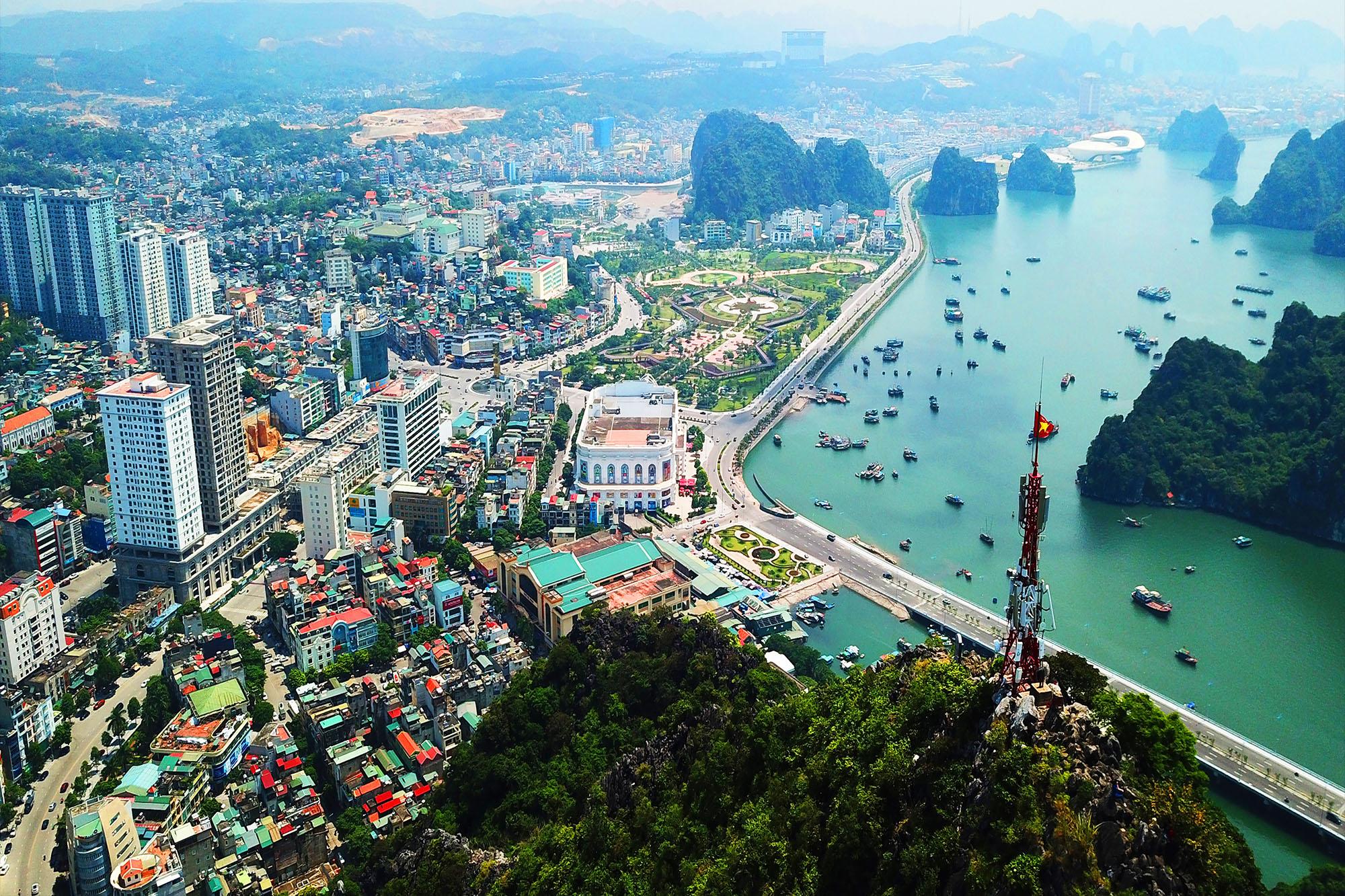 Thành phố biển Hạ Long