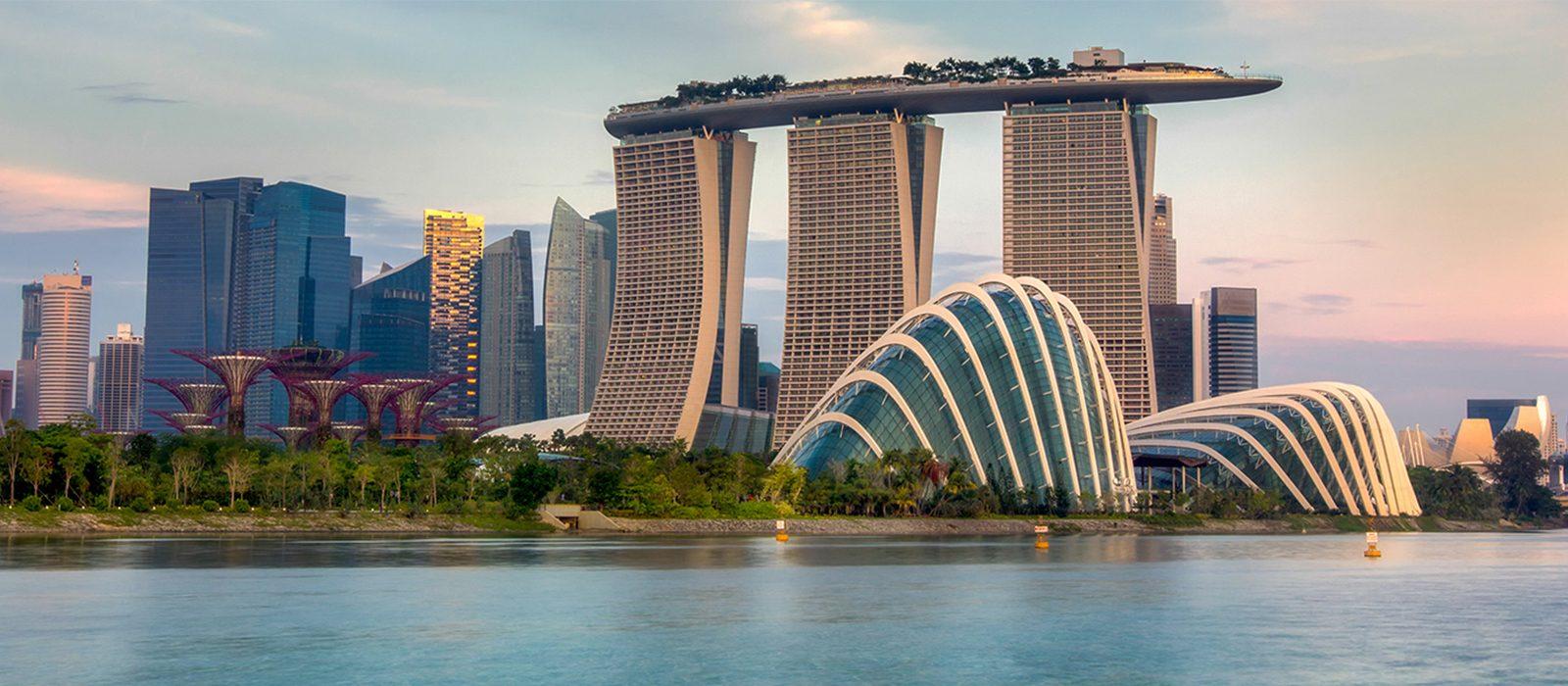 Marina Bay Sands (Singapore) - ví dụ thành công của nhà cao tầng ven biển