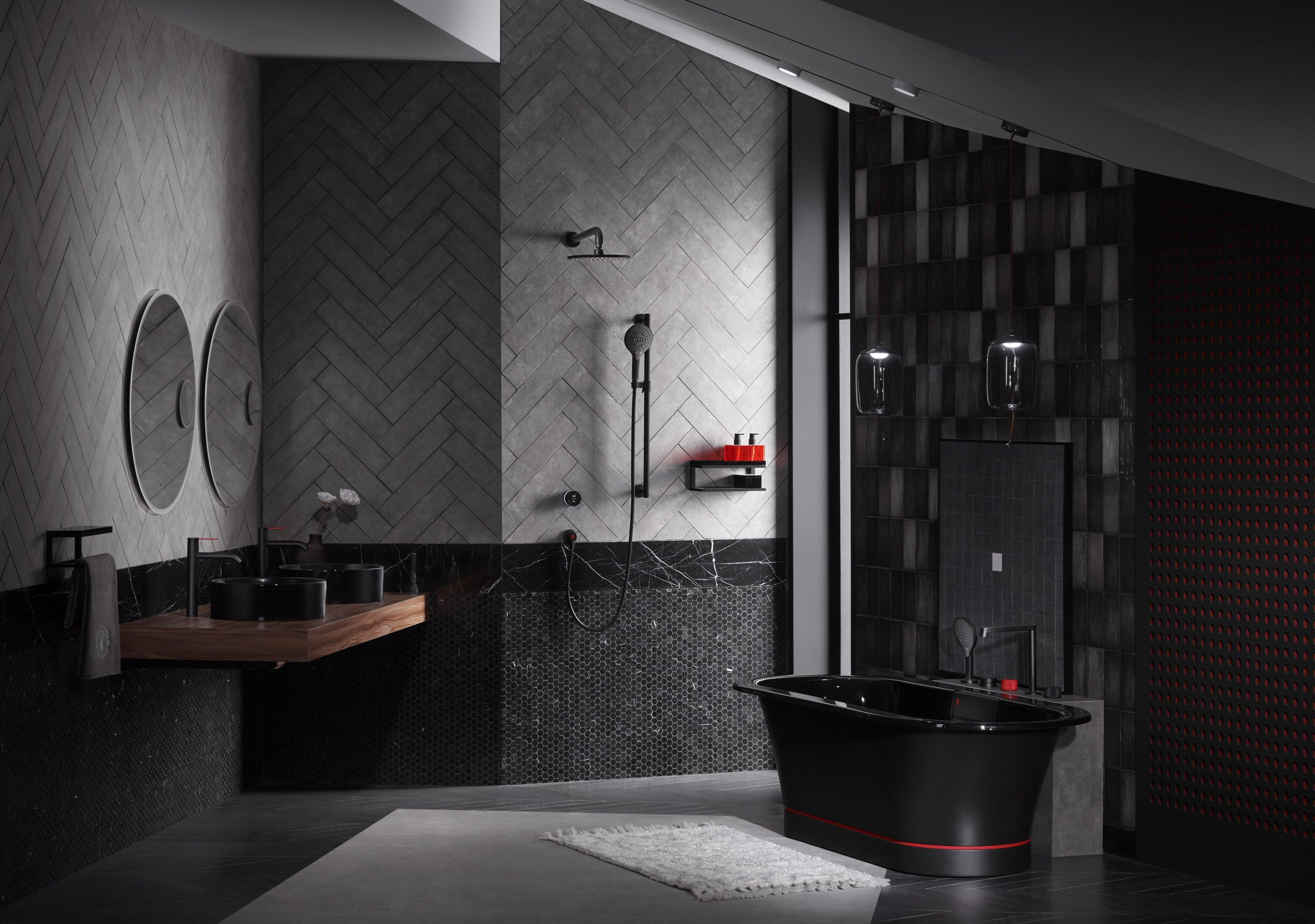 Thiết kế không gian phòng tắm với những mảng màu tối và nổi bật